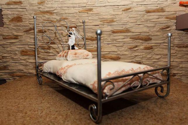Stelaż do tortu łóżko