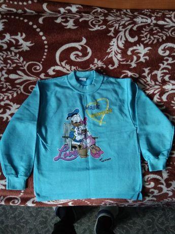 Новая футболка (теплая) на ребенка 8-9 лет