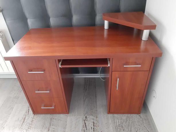 Biurko w odcieniu brązu