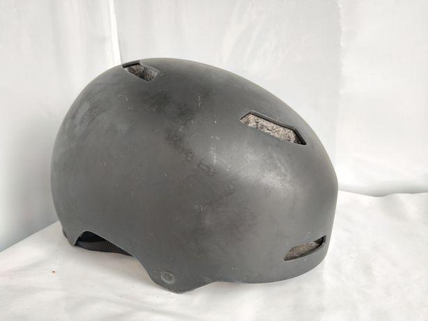 Шлем каска для роликов, скейта, велосипеда. Котелок GIRO 57-58 см