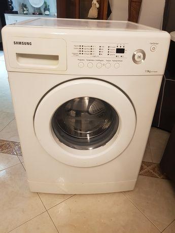 Vendo máquina de lavar roupa  eletrônica da Samsung  como nova 100€