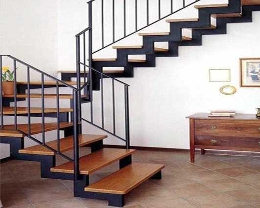 Лестницы под заказ. Производство и монтаж конструкций любой сложности.