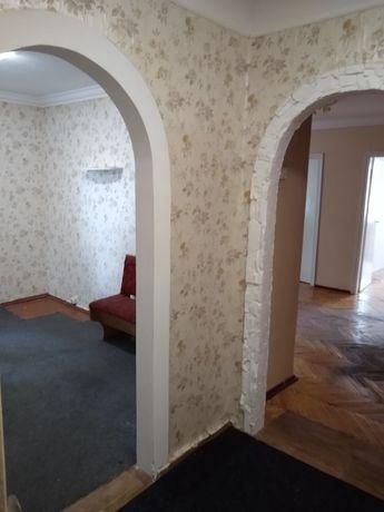 4-кімнатна квартира р-н 12 школа