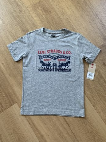 Новая футболка Levi's 8-10 лет 128-140 см