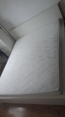 Łóżko sypialniane 160x200 z materacem