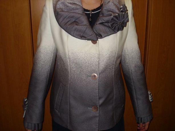Продам пальто-весна р. 48
