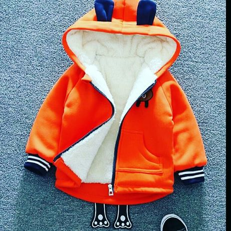 Тепла куртка приємна м'яка розміри 100, 110