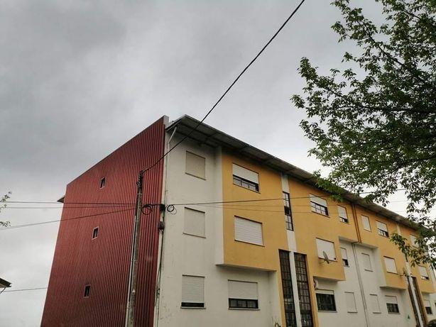 Apartamento T2 com garagem privada
