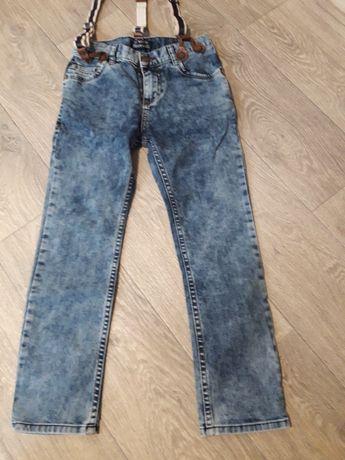 Продам джинсы 7-8 лет