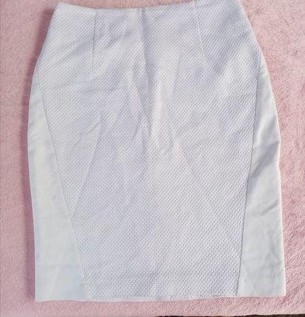 Белая юбка, очень красивая
