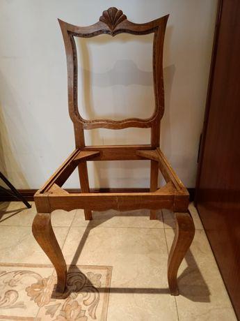 Cadeira antiga em casco, com as dimensões 80x50cm