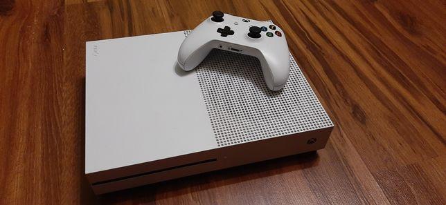 xbox one s + pad + gra