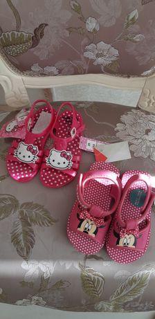 Пляжные сандалики, тапочки для девочки