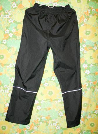 Ветростойкие и влагостойкие детские штаны Rukka 152 р