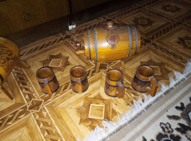 Продам реаритетные кружкии бочонки деревянные