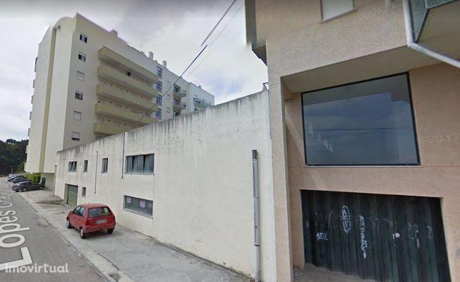 Garagen e estacionamento em Aveiro, Eixo