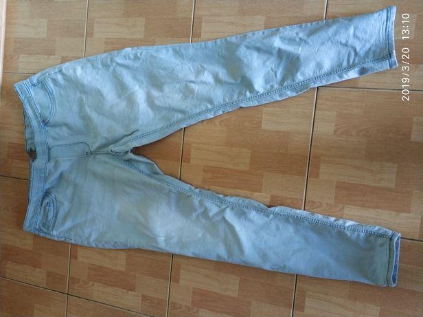 R. 50 H&M Spodnie jasne jeansy tregginsy