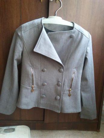 пиджак школьный для подростка 152р 50%шерсти.