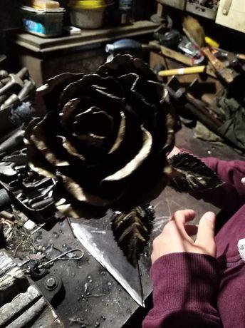 Кованые розы, Ковані троянди