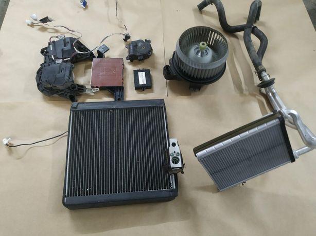 вентилятор радіатор печки Camry40