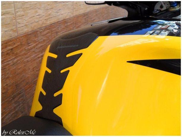 Наклейка на мото бак Progrip силиконовая / для бака мотоцикла шлем ls2