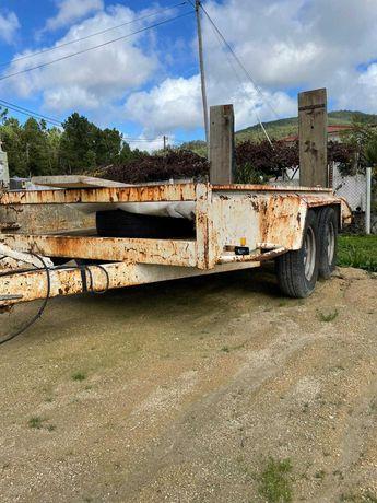 Atrelado/Reboque - 2500 Kg Máx