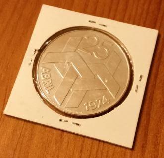 Moeda de 250 escudos em prata 25 de Abril de 1974