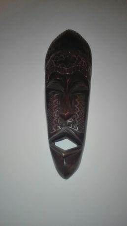 Mascara de decoração