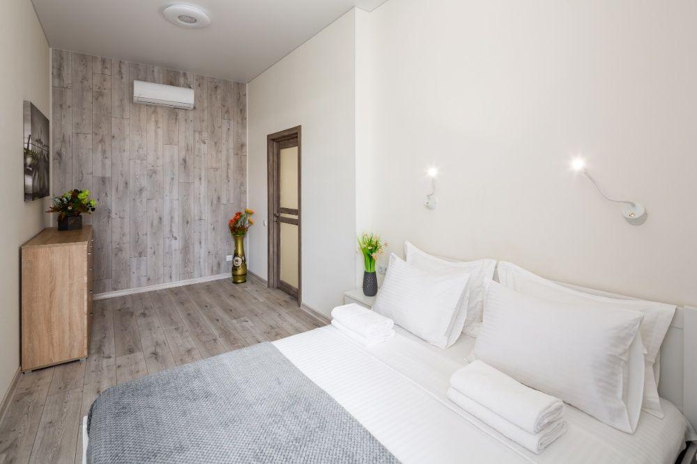 Подобово 4-ох кімнатна квартира на Куліша 40-1