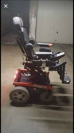 Wózek inwalidzki młodzieżowy podnoszony