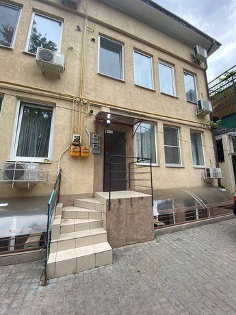 Продам свою квартиру в центре города