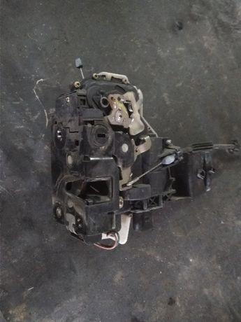 Zamek Drzwi Lewy Tył VW Bora Golf Passat Skoda 6Pin