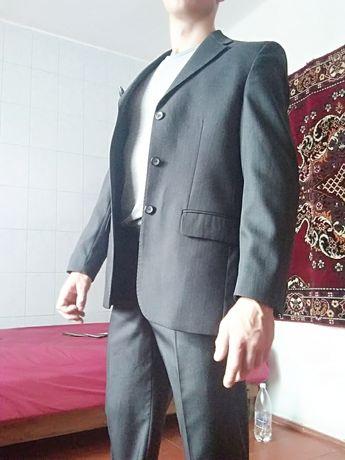 Чоловічий костюм. Випускний костюм. Костюм 48 розмір на зріст 176-180