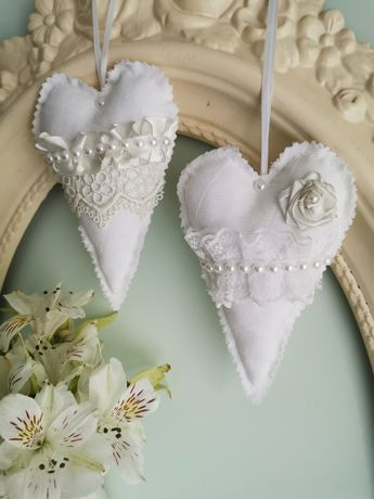 Zawieszki tekstylne serduszka, weselne dekoracje