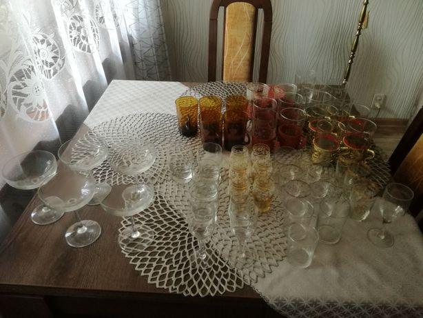 Szklanki szklaneczki kieliszki - sprzedam