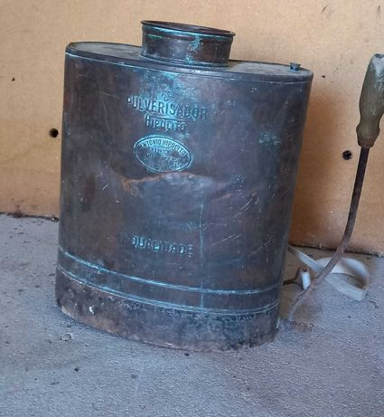 Pulverizador cobre antigo