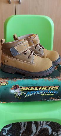 Ботинки деми Skechers.