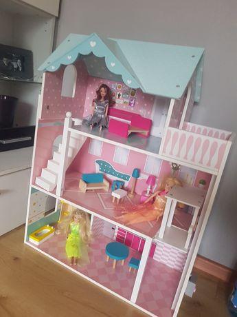 Domek dla lalek z akcesoriami i lalkami