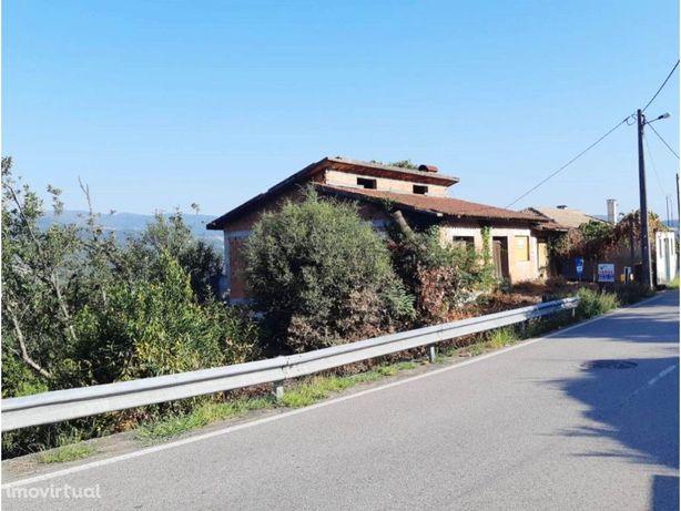 Terreno c/ moradia em construção inacabada em Sever do Vouga