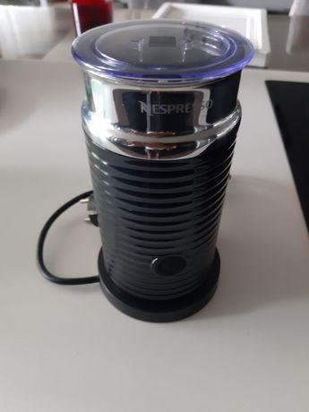 Aeroccino Nespresso Preto
