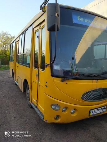 Продам автобус  двігатель мерсовскій
