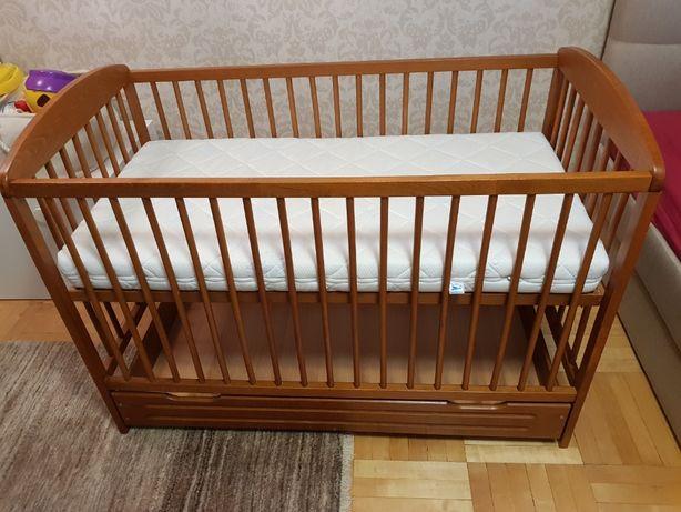 Łóżeczko drewniane ze skrzynią 60x120 + dodatki kołdra, pościel