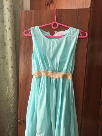 Продаю плаття (10-13 років)