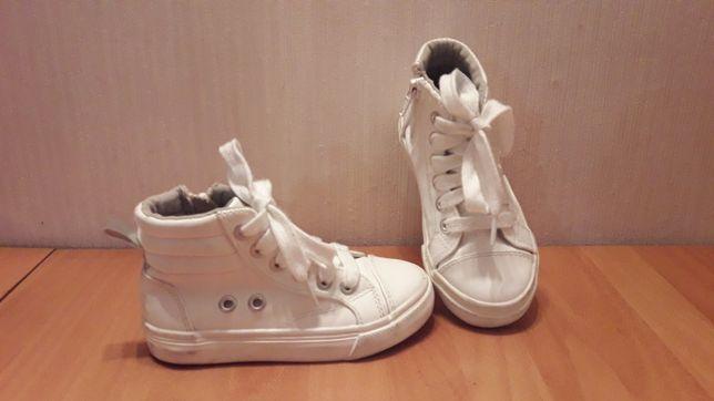 Белые кроссовки, кеды на шнуровке Young Dimension стелька 16,5 см