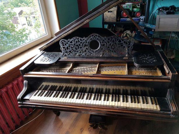 Fortepian około 200 lat