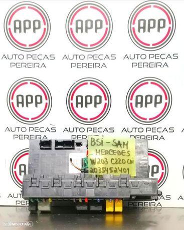 Módulo fusíveis SAM mala Mercedes W203 referência 2035452401.