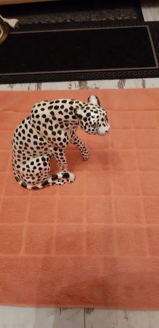 Figurka leopard