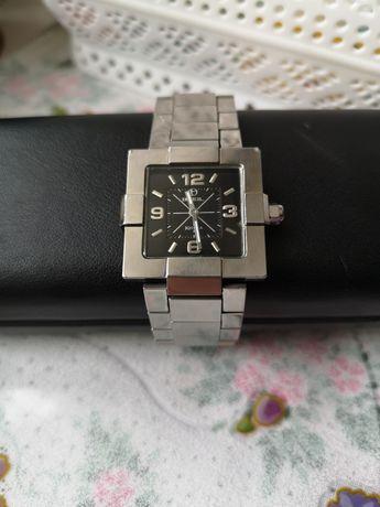 Продам годинник Breil