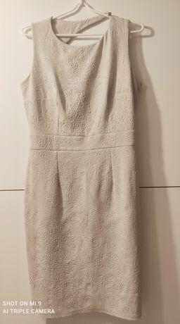 Sukienka z wycięciem z tyłu rozm. 40