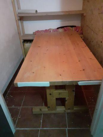 Stół, ława drewniana.